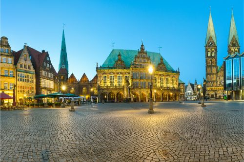 Panorama of Bremen Market Square, Germany. - ultimate germany travel guide