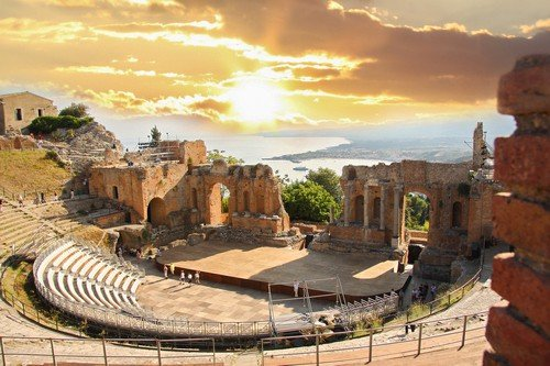 Taormina theater, Sicily, Italy. - Ultimate Italy Travel Guide