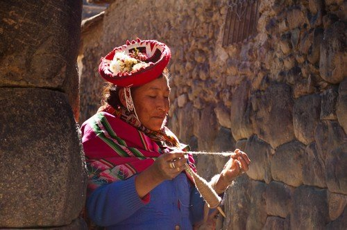 Peruvian woman in traditional clothings