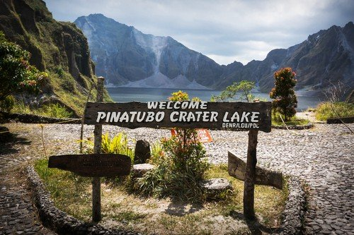 a beautiful volcanic lake in the crater of mount Pinatubo, on the island of luson Philippines, the largest known eruption in the 20th century