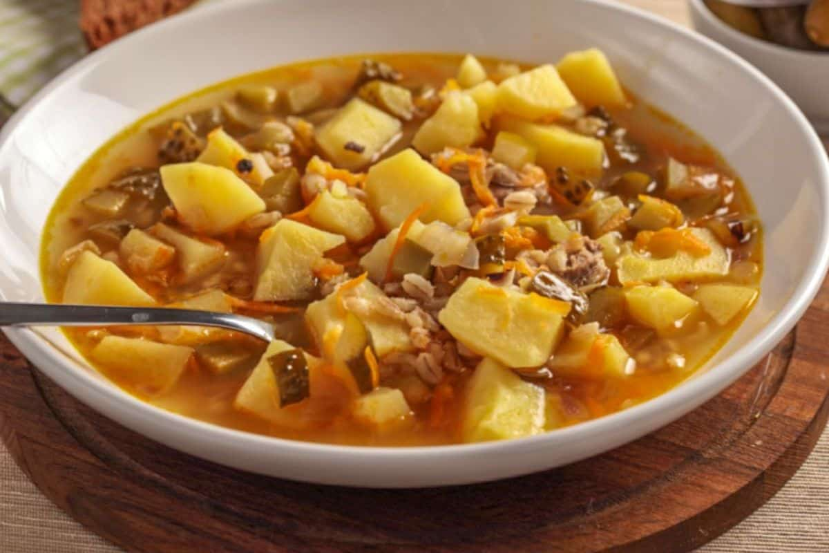 14. Russia Cuisines - Simple Russian Soup (1)