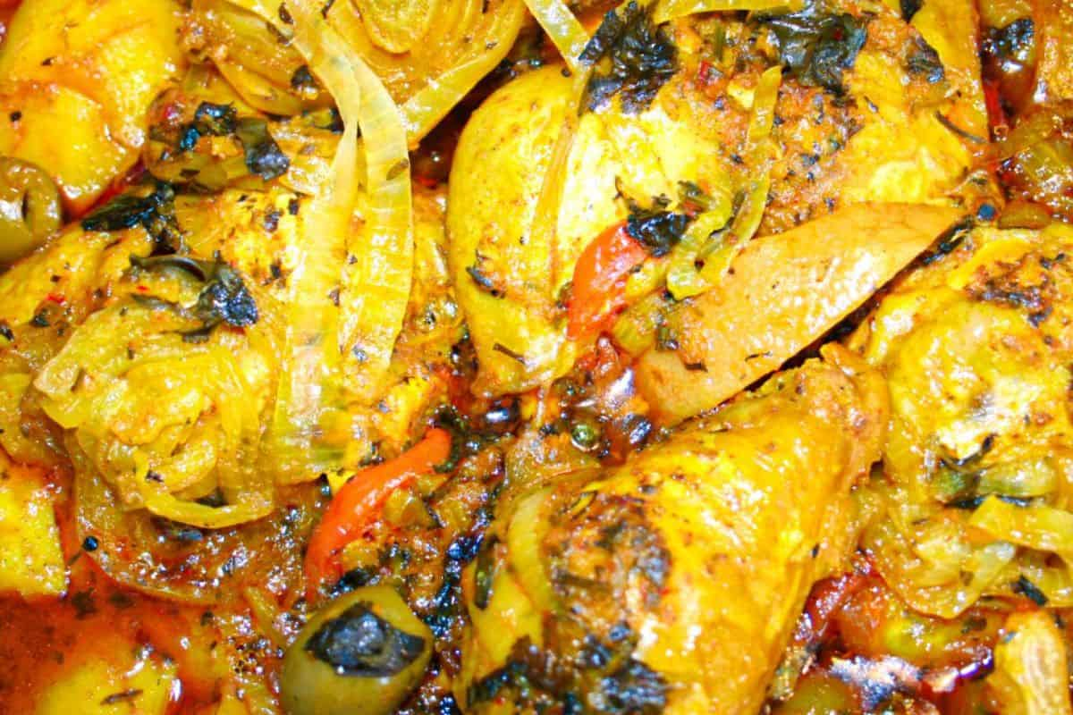 4. Chicken Tagine with Apricots, Figs, and Olives (Tagine Djaj Bzitoun )