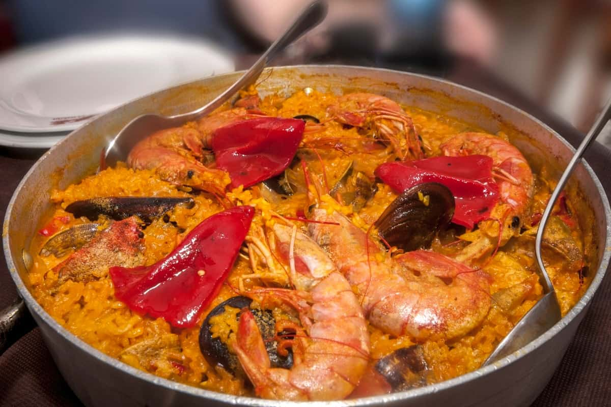 Authentic Paella Recipe with Seafood - Spanish Dishes